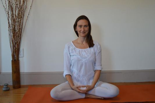 Online Healing Yoga Workshops, Yoga therapy, what is kundalini yoga, online yoga classes, kundalini yoga workshops, yoga for healing, trauma healing yoga